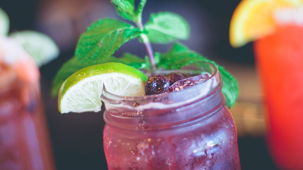 Fuquay-Varina-Town_MasonJar_Drinks